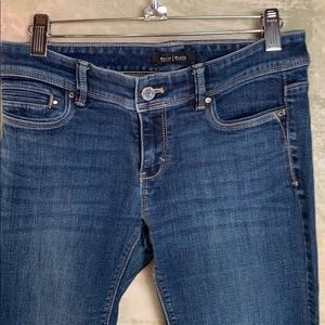 Women's jeans white house black market